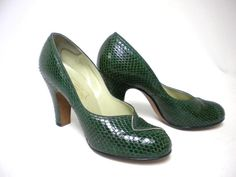 green 1940s pumps