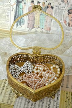 Shop Mary Beth Davis's Boutique for Chloe + Isabel jewelry in Newberry,Fl Jewellery Boxes, Jewelry Box, Vintage Jewelry, Vintage Items, Decoupage Vintage, Beth Davis, Pearl And Lace, Pretty Box, Girls Jewelry