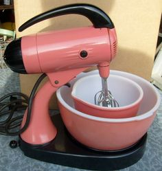 Vintage Mixer with vintage pink bowls