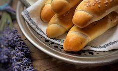 Rohlíky ze slánku – Vůně chleba Hot Dog Buns, Hot Dogs, Russian Recipes, Bread, Food, Polish, Vitreous Enamel, Brot, Essen