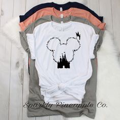 Source by audrinapierson Look t-shirt Disney Tees, Disney Shirts For Family, Disney Family, Disney Diy, Disney Cruise, Walt Disney, Travel Shirts, Vacation Shirts, Disney Birthday Shirt