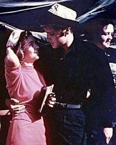 """""""Homecoming Concert at the Tupelo Fairgrounds in Mississippi on Wednesday, September Prior to his matinee show Elvis is pictured with avid fan Sara Ann Patterson (* April Tupelo Mississippi, Young Elvis, The Way He Looks, Elvis Presley Photos, Lucky Ladies, Country Songs, Andrew Lincoln, Most Beautiful Man, Good News"""
