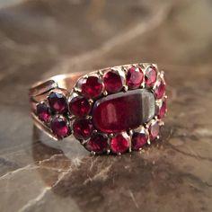 Georgian flat cut garnet ring #justfound and available for purchase #forsale DM for details #garnetandgold #georgianring #georgianjewelry #showmeyourrings #ringstagram #ringsofinstagram #ringoftheday #ringstagram #ringmania
