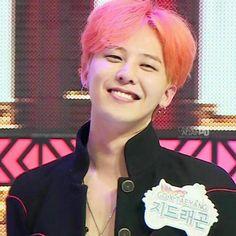 Smiling G-Dragon is 💕 Vip Bigbang, Daesung, K Pop, Rap, Bigbang G Dragon, Ji Yong, Kokoro, Yg Entertainment, Hot Boys