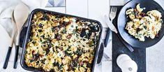 Mehevä pastavuoka valmistuu carbonaran tapaan pekonista ja parmesaanista. Lehtikaali tuo makua ja väriä täyteläiseen ruokaan. Noin 1,45€/annos.