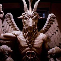 Grupo satânico inaugura estátua de bronze de 1t em Detroit