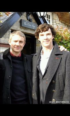 Benedict Cumberbatch and Martin Freeman - Behind the scenes of HoB from Unofficial BBC Sherlock Fanpage (Facebook)