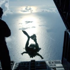 Photographic Print: Air Force Pararescueman Jumps Out of the Back of an Hercules : Us Navy Seals, Military Humor, Military Guns, Military Training, Military History, Special Ops, Special Forces, Naval Special Warfare, Green Beret