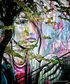 Наш Салернитанский вариант Мона Лизы, так я её вижу. И было бы здорово, если бы в каждом городе был свой вариант Мона Лизы. Поищите, может быть, в вашем городе она уже есть. Салерно, Италия. #салерно #италия #streetart #гидвсалерно