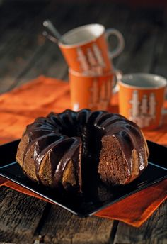 Banaani-mokkakakku | K-ruoka #halloween Coffee Cake, Muffin, Cookies, Chocolate, Baking, Breakfast, Sweet, Desserts, Food