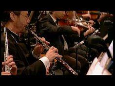 16/26 Dirk Michaelis: Als ich fortging (Ostrock in Klassik - Live) 1997 war das unser Abi-Abschiedslied-ergreifend wenn man bedenkt dass viele von unserem Jahrgang die Heimat verlassen mußten,um einen eigenen Weg zu finden!