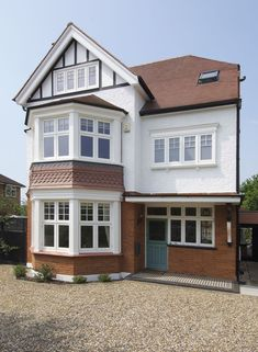 Beautiful, modern and traditional windows - Flush casement timber windows, all made to measure using engineered timber and top performance double glazing. Timber Windows, Casement Windows, House Windows, Facade House, 1930s House Exterior Uk, 1930s House Extension, Bay Window Living Room, Edwardian House, Edwardian Style
