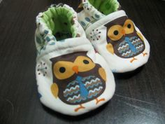 Hooty Hoot Fat Owl baby booties by SlipperToes on Etsy