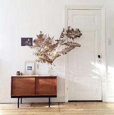 simple and elegant home decor. / sfgirlbybay
