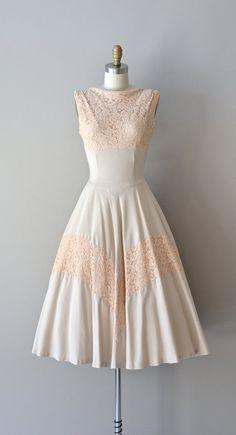Bonheur lace dress / vintage 1950s dress / lace and por DearGolden