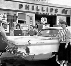 Getting Dad's new Ford Galaxie filled-up at Crescenzo's Phillip's 66 gas station on and Ashland Ave. Old Gas Pumps, Vintage Gas Pumps, Phillips 66, Pompe A Essence, Gas Service, Old Gas Stations, Old Country Stores, Filling Station, O Gas