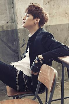 That smexy Look though (*゚▽゚)ノ BTS suga