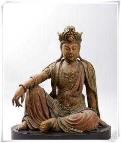 古代木造观音菩萨坐像欣赏— 2011韩国首尔拍卖·香港拍卖(高104cm )