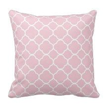 Pink Quatrefoil background pattern Throw Pillow