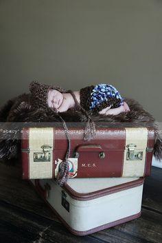 Crochet hat for newborn pictures