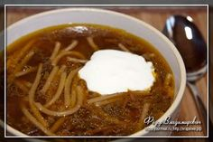 Суп из сушеных грибов. Сушеные белые грибы. 2 средних или 3 небольших луковицы. 1 средняя морковь. Вермишель.