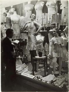 1920s lingerie store in Paris