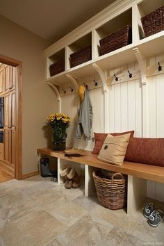 Top Farmhouse Entryway Mudroom Ideas - Furnishings for mudrooms and hallways normally appears fairly simple nonetheless useful. way bench farmhouse Top Farmhouse Entryway Mudroom Ideas Mudroom Laundry Room, Mudroom Cubbies, Entry Way Design, Foyer Decorating, Decorating Ideas, Entryway Decor, Entryway Ideas, Apartment Entryway, Home Remodeling