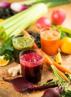 Diferencia entre jugos verdes y batidos de frutas y verduras.