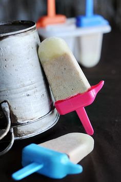Root Beer Float Popsicles... the best part of a root beer float, on a stick!