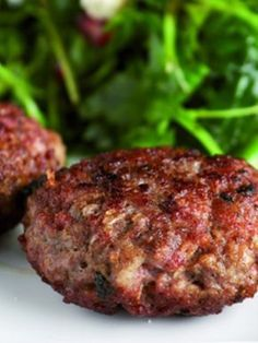 mpiftekia fournou me mosxarisio kima exo Meat Lovers, Greek Recipes, Meatloaf, Food And Drink, Beef, Cooking, Meals, Meat, Kitchen