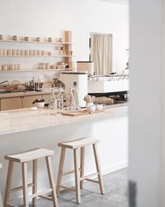 📍1019 S. Santa Fe Ave., Los Angeles, CA 90021 📷: @andyheart Cafe Shop Design, Cafe Interior Design, Kitchen Interior, Room Interior, Restaurant Concept, Cafe Restaurant, Restaurant Design, Japanese Coffee Shop, Coffee Shop Aesthetic