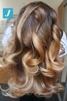 Una cascata di sfumature _ Degradé Joelle #cdj #degradejoelle #tagliopuntearia #degradé #igers #musthave #hair #hairstyle #haircolour #longhair #ootd #hairfashion #madeinitaly #wellastudionyc