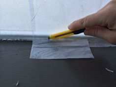Paper Privacy Windows (window Frost Like a Boss) : 5 Steps (with Pictures) - Instructables Funny School Pictures, Funny Sports Pictures, Funny Photos, Minions Funny Images, Minions Quotes, Funny Minion, Funny Jokes, Diy Lace Privacy Window, Diy Frosted Glass Window