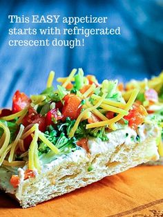 Cool Veggie Pizza Appetizer - Life, Love, and Good Food Healthy Recipes, Easy Healthy Dinners, Easy Dinner Recipes, Dinner Ideas, Fruit Pizza Bar, Veggie Pizza, Veggie Bars, Pizza Appetizers, Appetizer Recipes