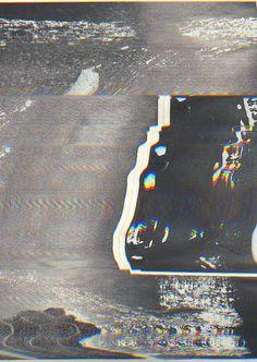 An alien head or something unfamiliar to thrillers, Manilla, Sasquatch the great, Yborsparilla. Collage, Glitch Art, Art Abstrait, Psychedelic Art, Grafik Design, Textured Background, Textures Patterns, Creative Design, Overlays