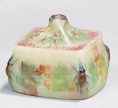 WALTER Amalric (1870-1959) et BERGÉ Henri (1870-1937) Boîte carrée en pâte de…