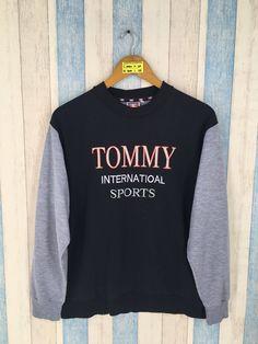 b57d072b TOMMY HILFIGER Raglan Sweatshirt Medium Vintage 90's Tommy Hilfiger  Athletic Internation Sports Crewneck Pullover Jumper Sweater Size M