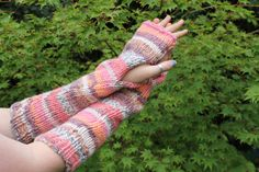 Hand knitted chunky arm warmers. Winter Months, Fingerless Gloves, Arm Warmers, Hand Knitting, Knit Crochet, Fashion, Fingerless Mitts, Hand Weaving, Moda