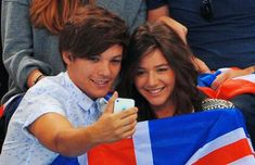 Louis and Eleanor at the 2012 Olympics Louis And Eleanor, One Direction Louis, Eleanor Calder, Louis Williams, Words To Describe, Music Artists, Olympics, Guys, Couple Photos