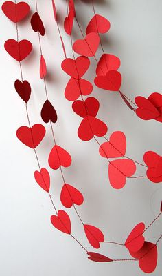 Die cut heart garland thick paper Great for any by LinnTwinsValentines day decor Valentine decor Heart by TransparentEsDecor Valentines Bricolage, Valentine Crafts, Valentines Day Hearts, Valentine Heart, Valentine Wishes, Paper Heart Garland, Garland Wedding, Wedding Decoration, Paper Crafts