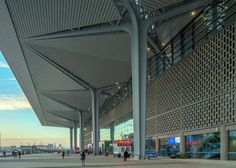 Image 1 of 35 from gallery of TaiYuan South Railway Station / CSADI. Photograph by Shuo Ding, Chunfang Li