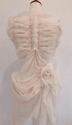 haute couture dress couture couture dresses couture kleider couture rose couture rules Fragile, and it creases. Dior Haute Couture, Elie Saab Couture, Givenchy Couture, Dress Couture, Couture Sewing, Essie Gel Couture, Fashion Art, Fashion Outfits, Fashion Design