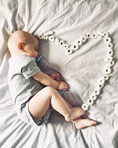 Dream big little one  . . . . . . . . #dobranoc#spijdobrze#childhoodunplugged#yosoyshop#yosoybedlinen#embroidery