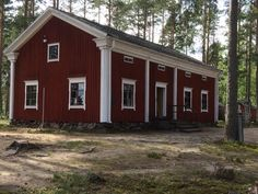 Vanha talo Swedish House, Dream Houses, Old Houses, Scandinavian, Arch, Shed, Woodworking, Outdoor Structures, Traditional