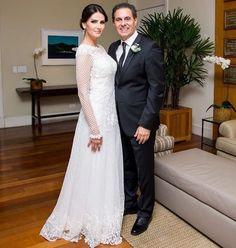 Lisandra Souto disse sim ao empresário Gustavo Fernandes em cerimônia realizada na noite deste sábado (24/06) no Rio de Janeiro. Desejamos felicidades ao casal! ... #casamentosreais #casamento #liseguswed #casamentonoriodejaneiro #lisandrasouto #noiva #casamentodefamosos #noivinhasdeluxo
