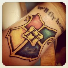 Digging the simplified Hogwarts Crest #tattoo