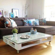 Een salontafel, gemaakt van pallets