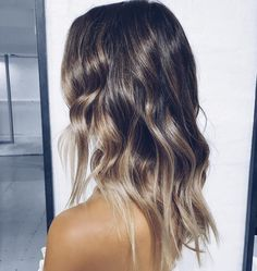 JASMIN HOWELL в Instagram: «Weekend hair ✨ Talking all things healthy, nourished hair now on www.#friendinfashion.com.au with @lorealhair #ExtraordinaryOil #Elvive #spon»