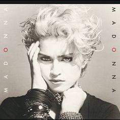 Shazam で Madonna の Holiday (Remix Version) を見つけました。聴いてみて: http://www.shazam.com/discover/track/271592