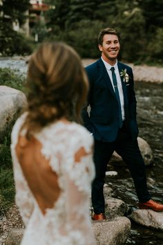 Sophisticated navy blue groom suit | Image by Joel Bedford Weddings